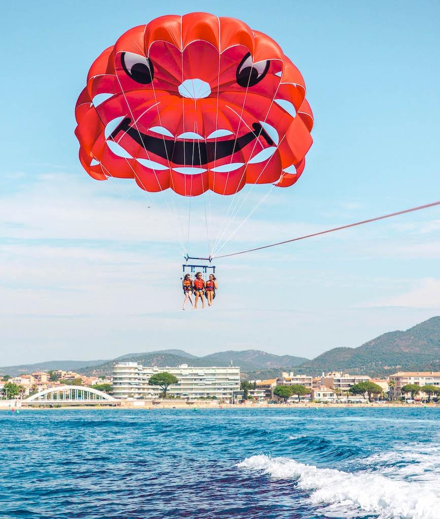Parachute ascensionnel à sainte maxime : prix 50€